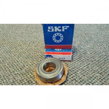 Lot of 2 SKF 6307-2zjem 6307-2Z/C3HT51 Bearing NEW 63072z 6307